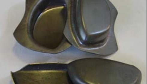 Заготовки лицевых панелек из высокопрочного титанового сплава с нанокристаллической структурой